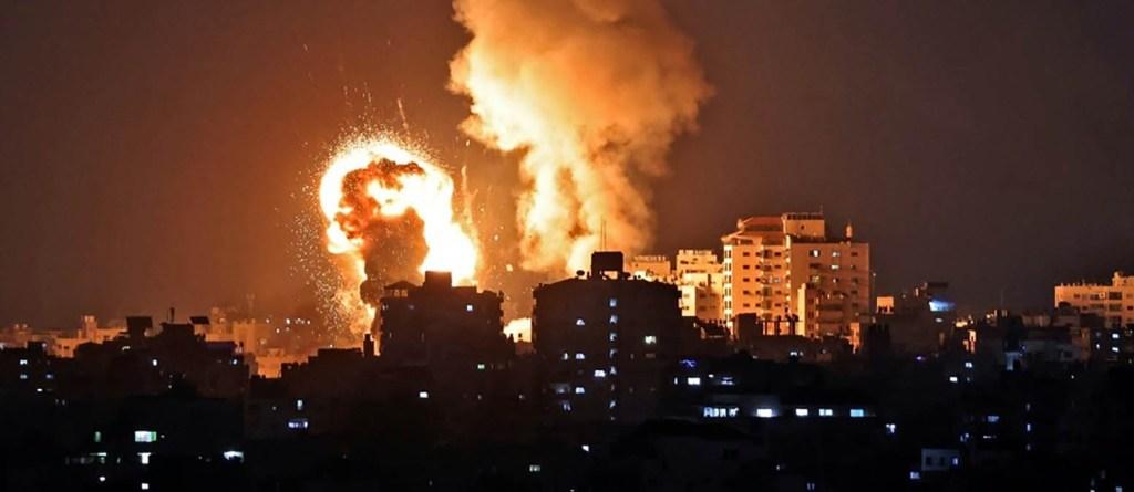 Frappes meurtrières sur Gaza après des tirs de roquettes, tensions à Jérusalem