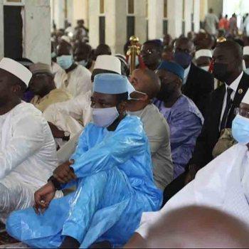"""Mali: Assimi Goïta échappe à une """"tentative d'assassinat"""" en pleine mosquée"""