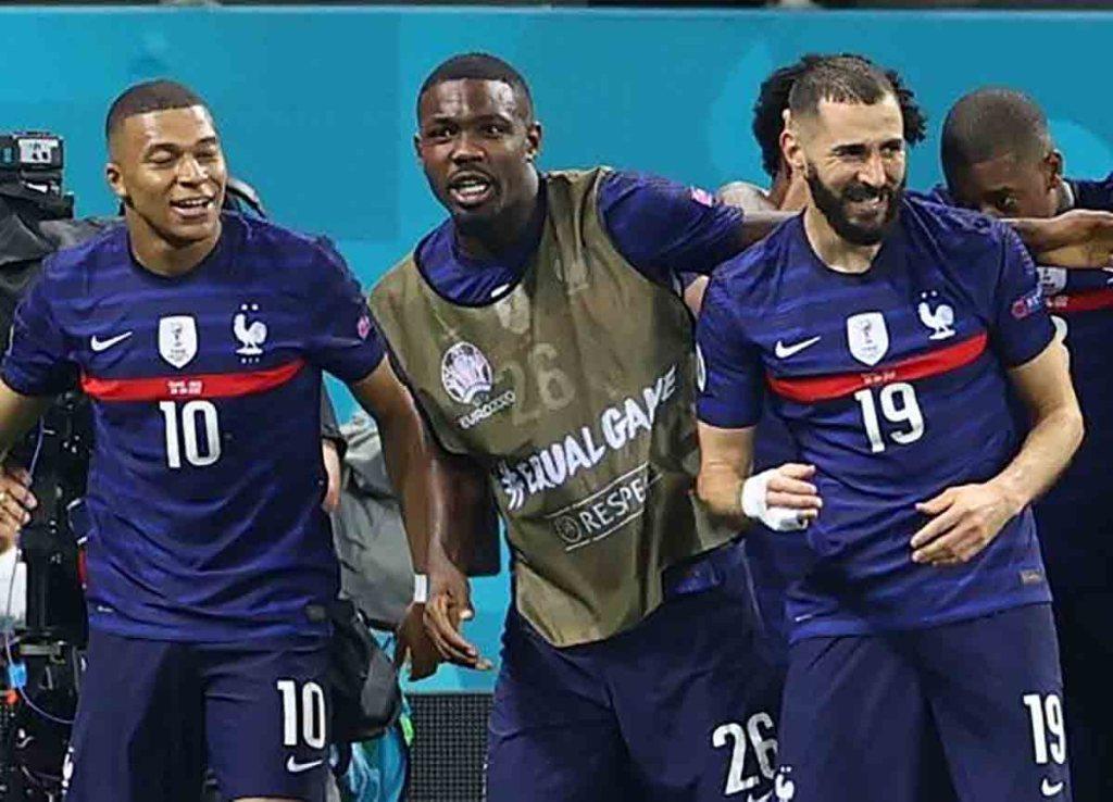 Tweets racistes contre l'équipe de France à l'Euro