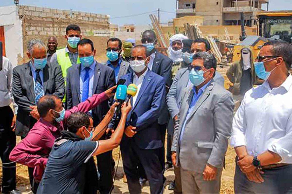 """Visite du ministre de l'Équipement du chantier des futurs échangeurs aux carrefours Bamako et """"El Hay Saken"""