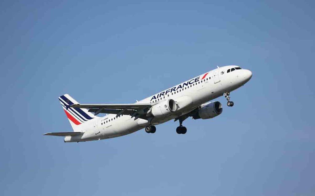 """Un avion d'Air France Pékin-Paris atterrit en urgence après """"un incident technique"""""""
