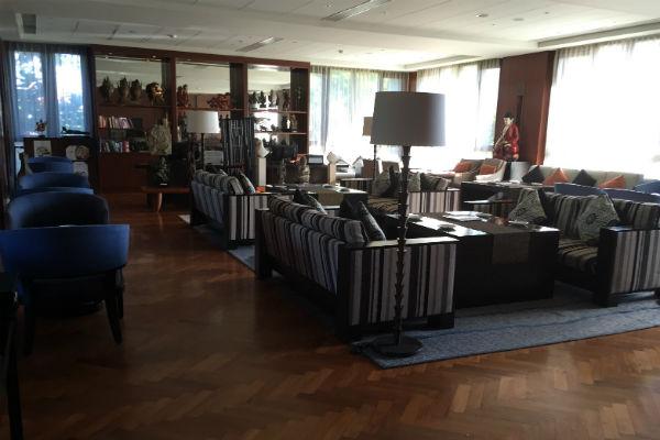 Conrad Bali Club Lounge