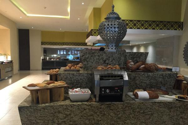 Bread Station La Plaza Buffet Hyatt Ziva Los Cabos