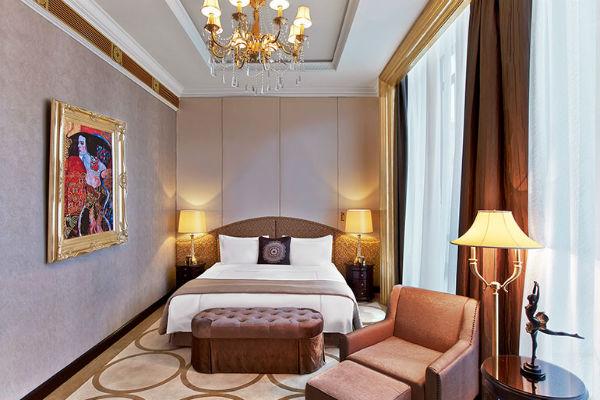 Best Category 5 SPG Hotels: St. Regis Moscow Nikolskaya