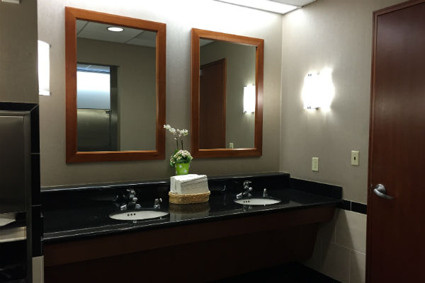 SFO Air France KLM Lounge Bathroom