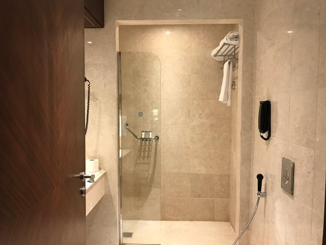 Pullman ZamZam Madinah 2-Bedroom Suite Master Bathroom