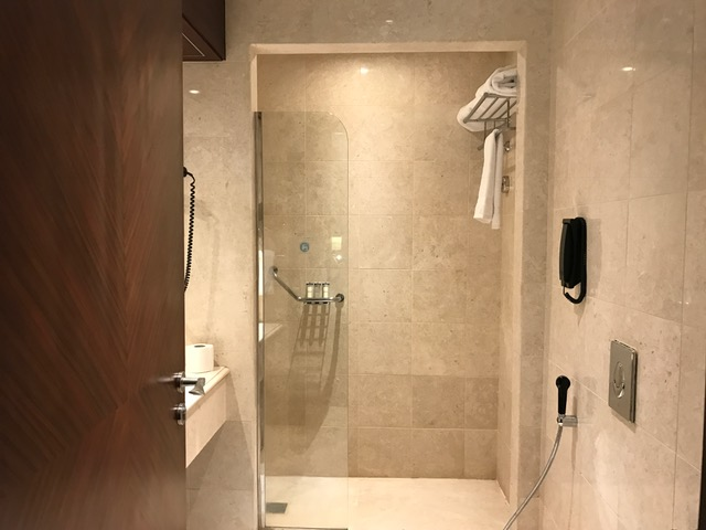 Pullman ZamZam Madinah 2-Bedroom Suite Master Bathroom