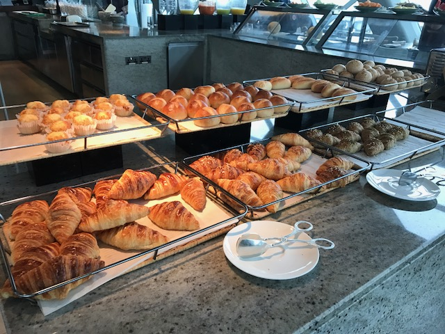 Hyatt Capital Gate 18 Degrees Diamond Breakfast Pastries