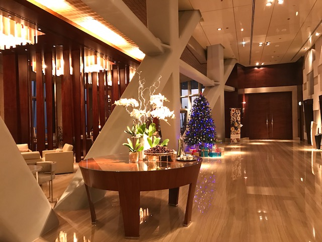 Hyatt Capital Gate Abu Dhabi Lobby During Christmas