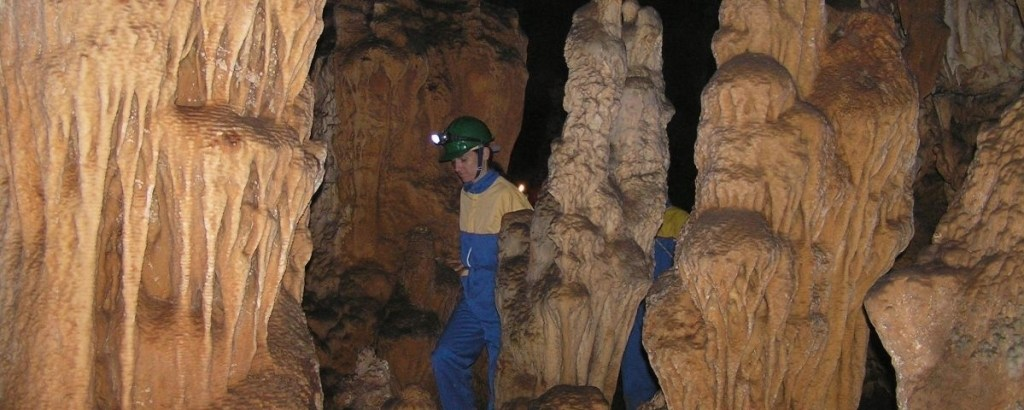 modric-cave-pointers-travel
