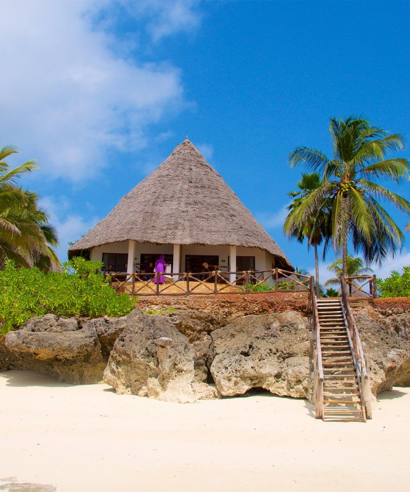 zanzibar-beach-pointers-travel