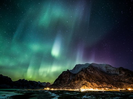aurora-lofoten-islands-norway_69810_990x742