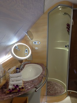 Emirates A380 First Class Shower37