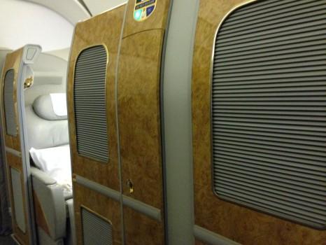 Emirates First Class DXB - Malé (MLE) B777-200LR11