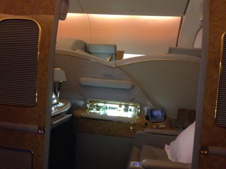 Emirates First Class DXB-MXP Dubai Milan 77704