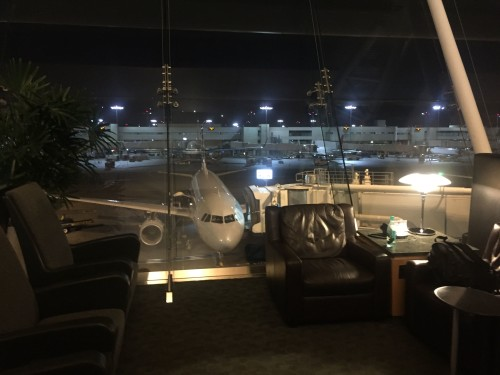 American AA Flagship Lounge06