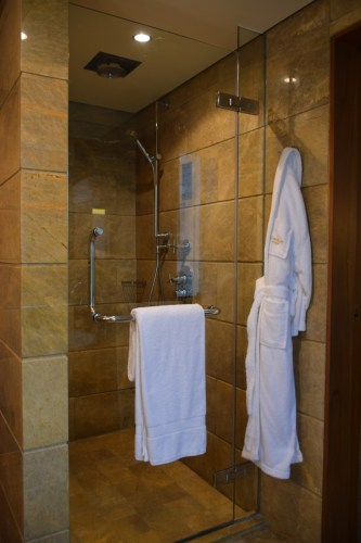 Conrad Bangkok Executive Corner King Room - Rain Shower