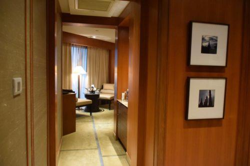 Conrad Bangkok Executive Twin Corner Room - Entryway