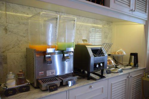 Coral Executive Lounge Bangkok-Don Mueang Juices