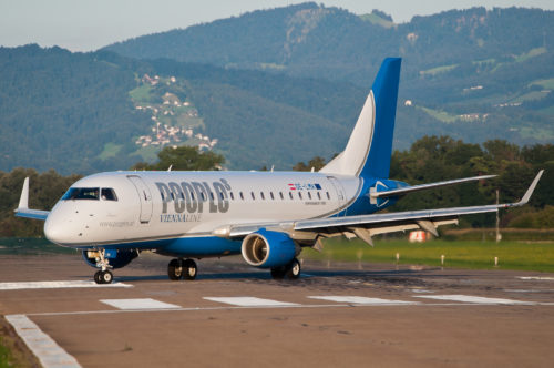People's Viennaline's Embraer 170