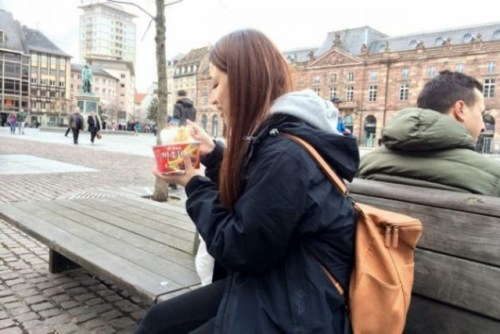 1 in 3 Chinese tourist packs their own instant ramen when traveling (Photo by Xinhua)