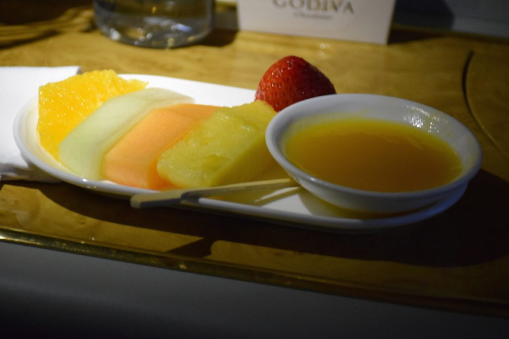 Emirates A380 Shower Spa Display - Fruit Plate