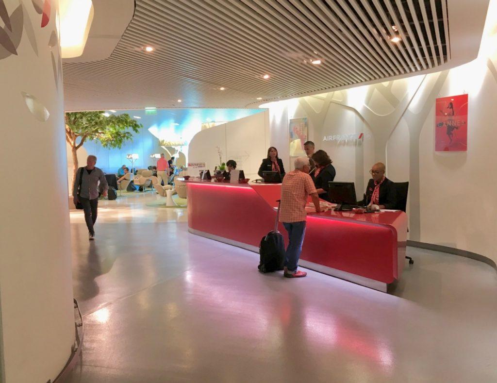 Review air france salon lounge paris charles de gaulle for Salon air france terminal 2e