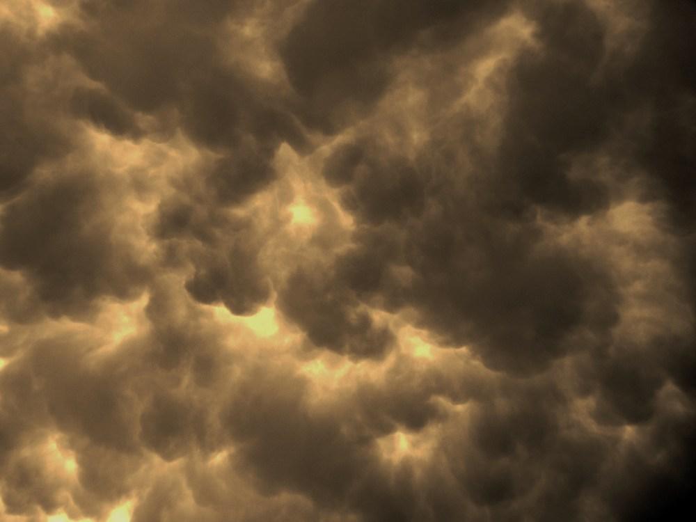Cloudy skies... (1/6)