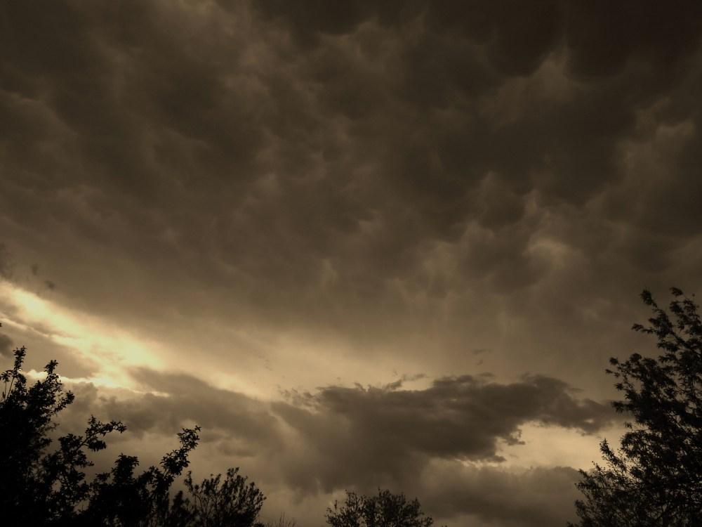 Cloudy skies... (2/6)