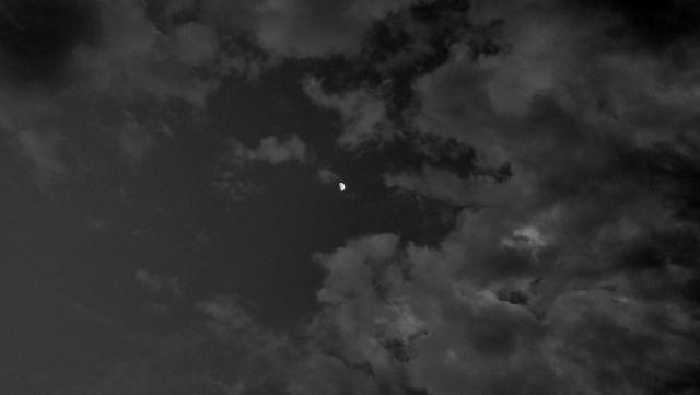 Shooting the moon... (5/5)