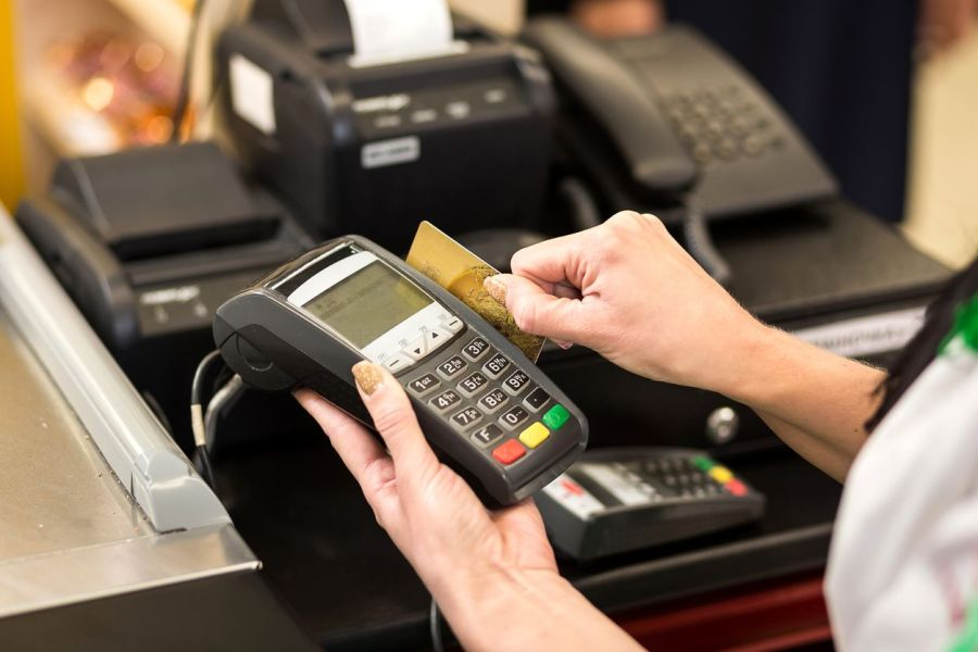 PointofSale credit card swiping through terminal what is pos hardware
