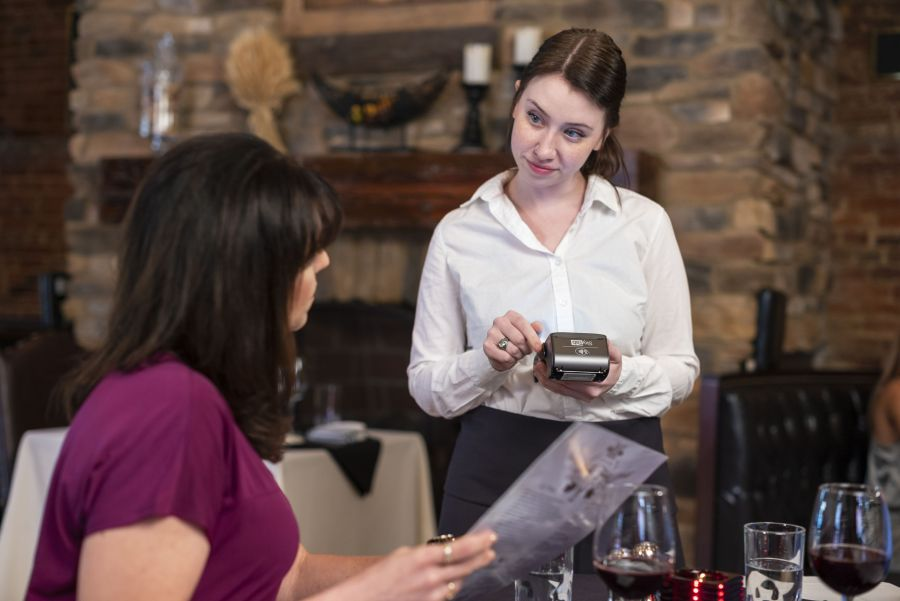 PointofSale-SkyTab-Pay-at-the-Table-restaurant-customer-service-tips-compressor