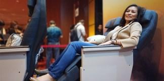 Cathay Pacific Kursi Ekonomi Premium Marianne Rumantir