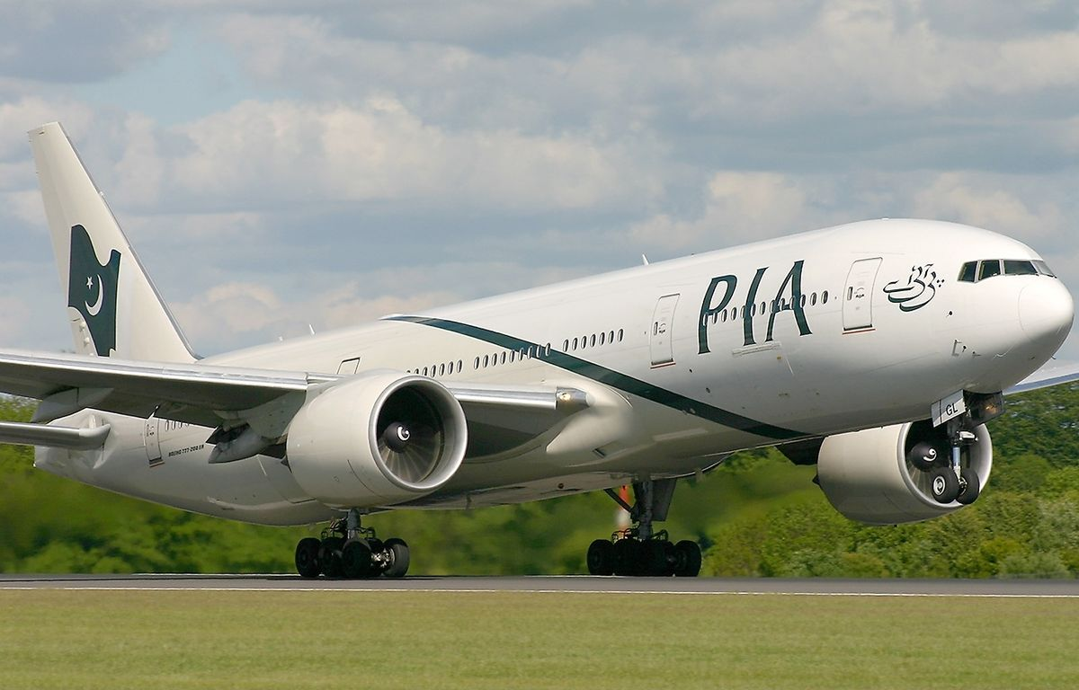 Boeing 777 240(ER) Pakistan International Airlines PIA PIA dilarang terbang