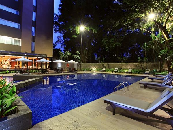 CHSE kolam renang Swiss bel hotel pondok indah