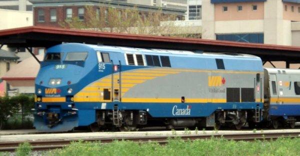 VIA_Rail_Diesel_Locomotive_London_Ontario