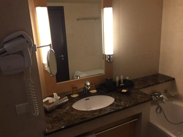 hyatt nice bathroom