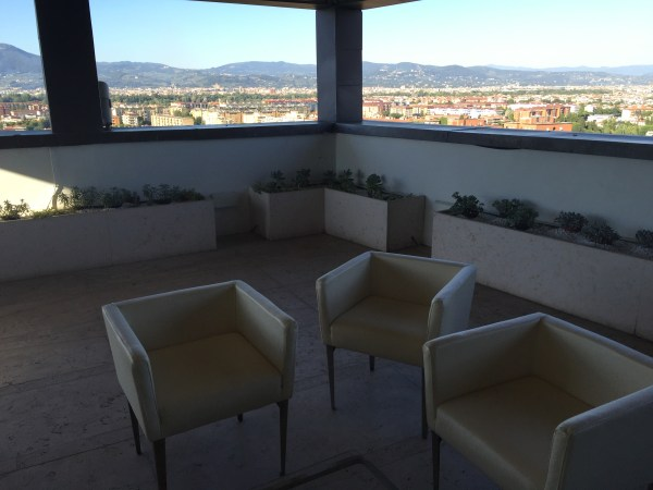 hilton_florence-lounge_outside