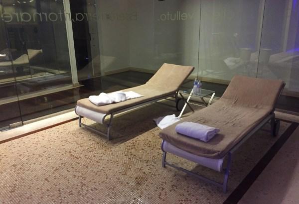 hilton_florence-pool_beds