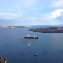 Nieuw Amsterdam in Santorini