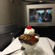 Ice Cream Sundae and a movie... not at bad way to fly