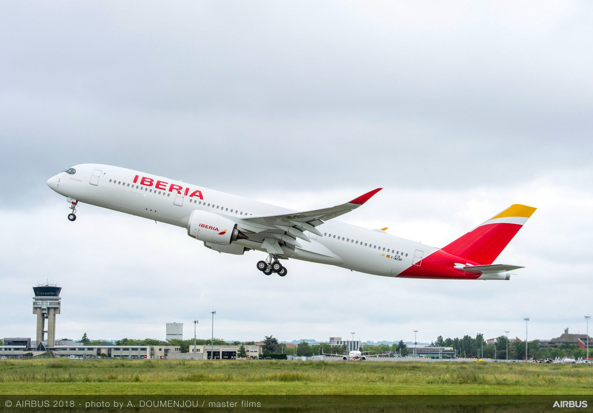 Spain to North America with Iberia starting from €249/$353 [Economy Class]