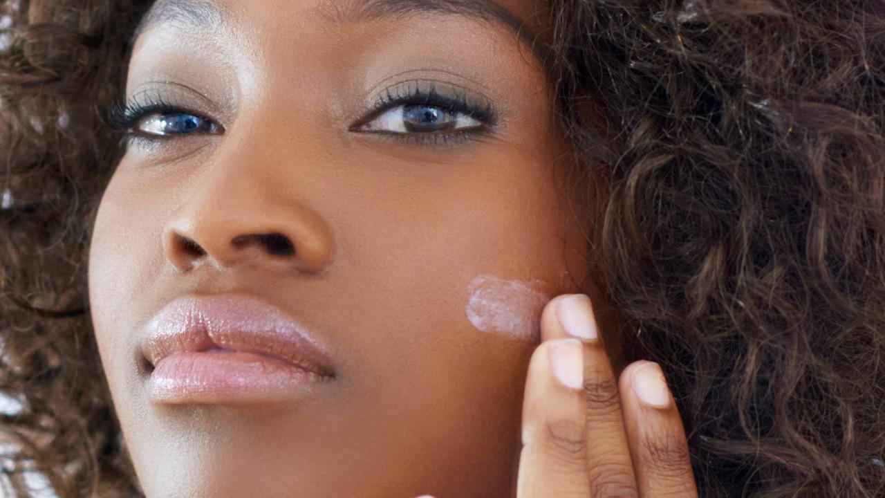 7 Makeup Tips For Deep Skin Tones