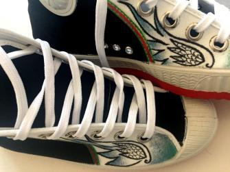 """zapatillas """"cebo"""" personalizadas """"alas"""""""