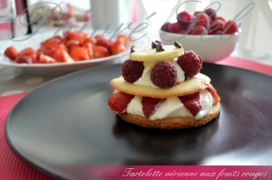Tartelette aérienne aux fruits rouges_PRESENTATION3