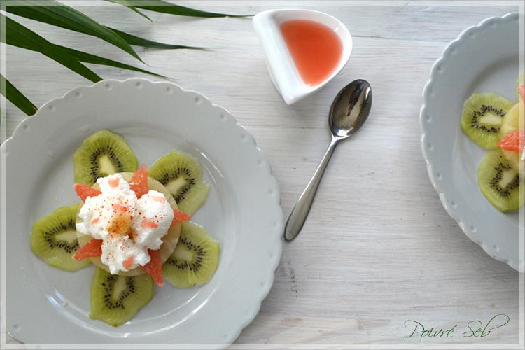 Fleur de fruits exotiques au cœur de litchi et son écume vanillée