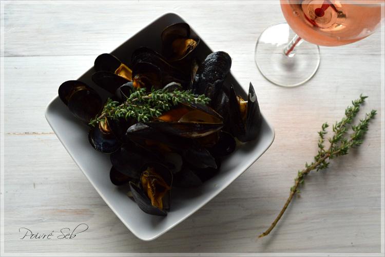 Moules marinières à la crème au thym et rosé d'Anjou