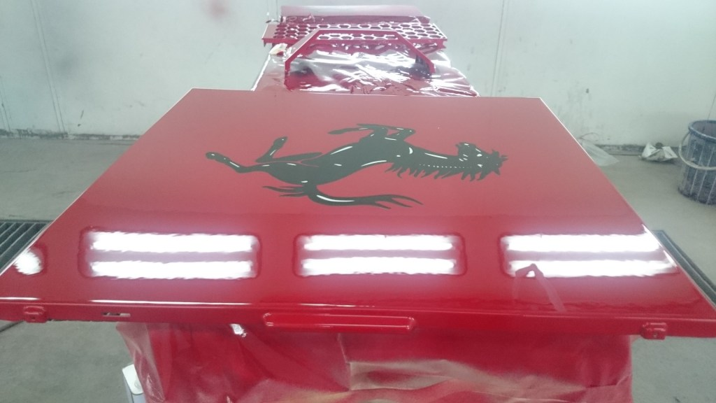 The glossy finishing on top of the Cavallino Rampante