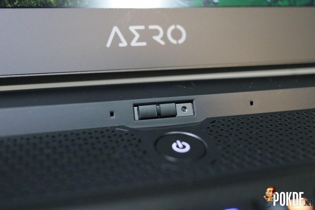 GIGABYTE AERO 17 XA Laptop Review - The Power of Creativity 29