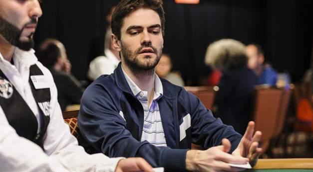 5 cách đánh bại người chơi Poker với cách chơi Poker CALLING STATION